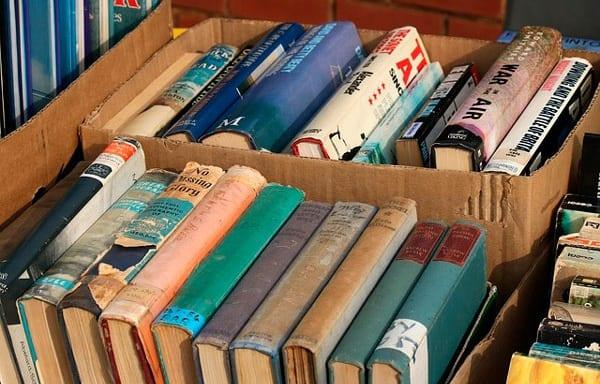 cómo embalar libros en una mudanza