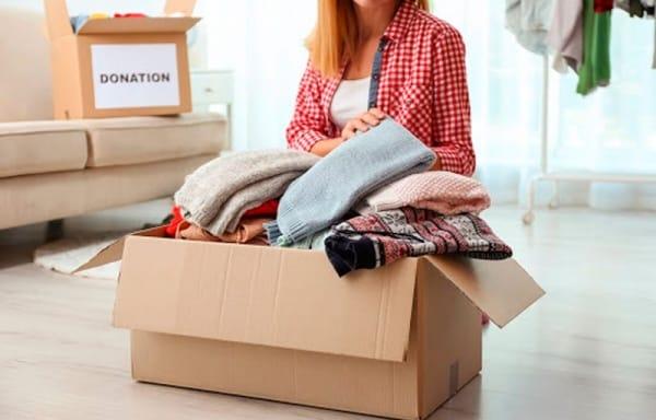 preparar la ropa para una mudanza